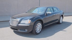 2013 Chrysler 300C Car - Side