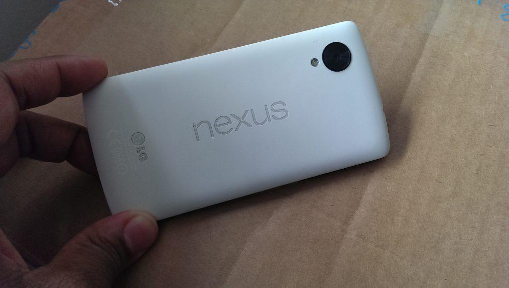 Nexus5BackTilt