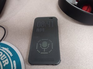 HTC One M8 Dot View Case (3)