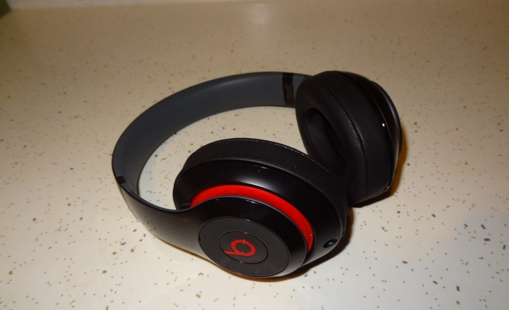 Beats By Dre Wireless Studio Headphones (1)