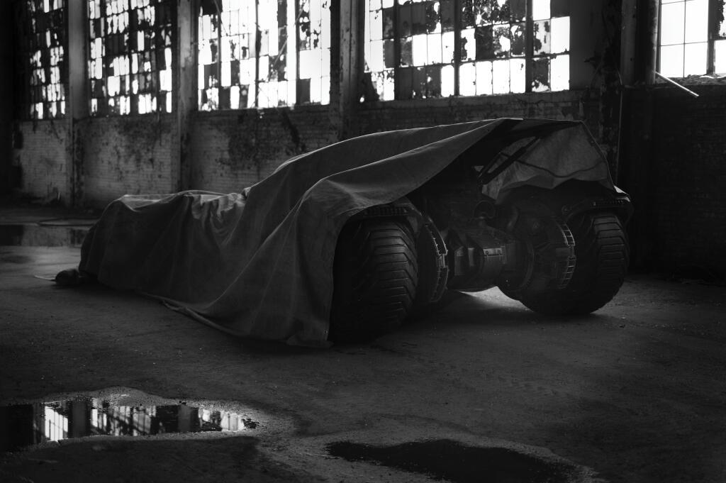 Batman Batmobile Zack Synder teaser