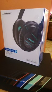 Bose SoundTrue Over Ear Headphones [Review] - Box