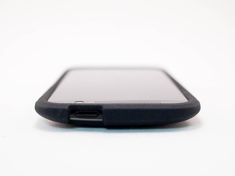 HTC One M8 - Tech21 - Impact Tactical Case Review - Top View - G Style Magazine