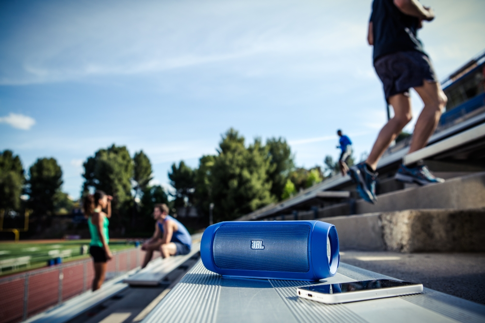 JBL_Charge2_Lifestyle (3)