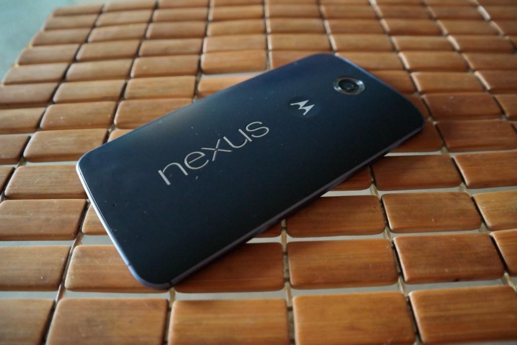 Nexus 6 Side