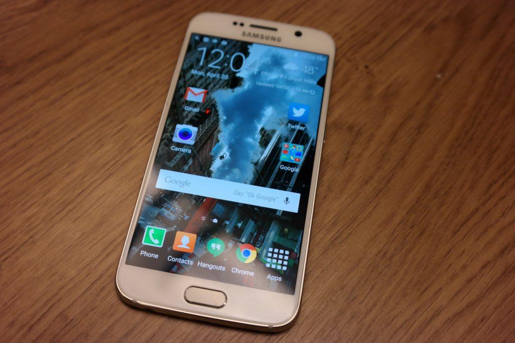 Samsung Galaxy S6 front 4