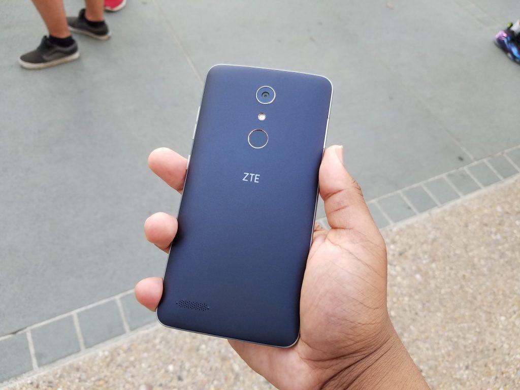 ZTE ZMax Pro Smartphone (1)